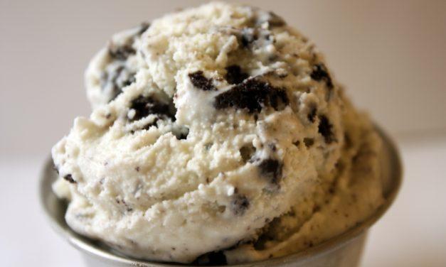 Blendtec Recipe Of The Week: 2 Ingredient Cookies And Cream Ice Cream