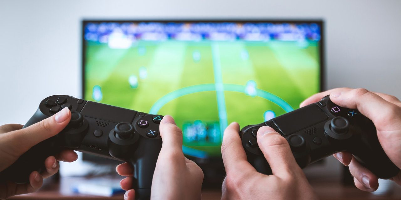 Guest Post: The Health Benefits of Gaming | Welcome To Cyber Geek Girl